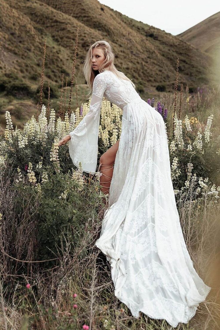 The most romantic bohemian lace wedding dresses for the perfect