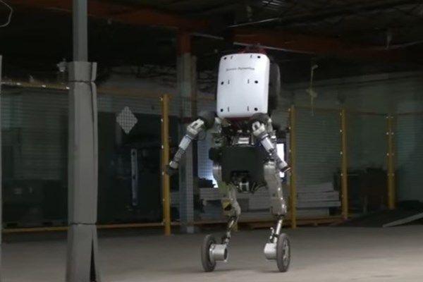 Boston Dynamics oficializa robô Handle; e ele pode mesmo saltar mais de 1m
