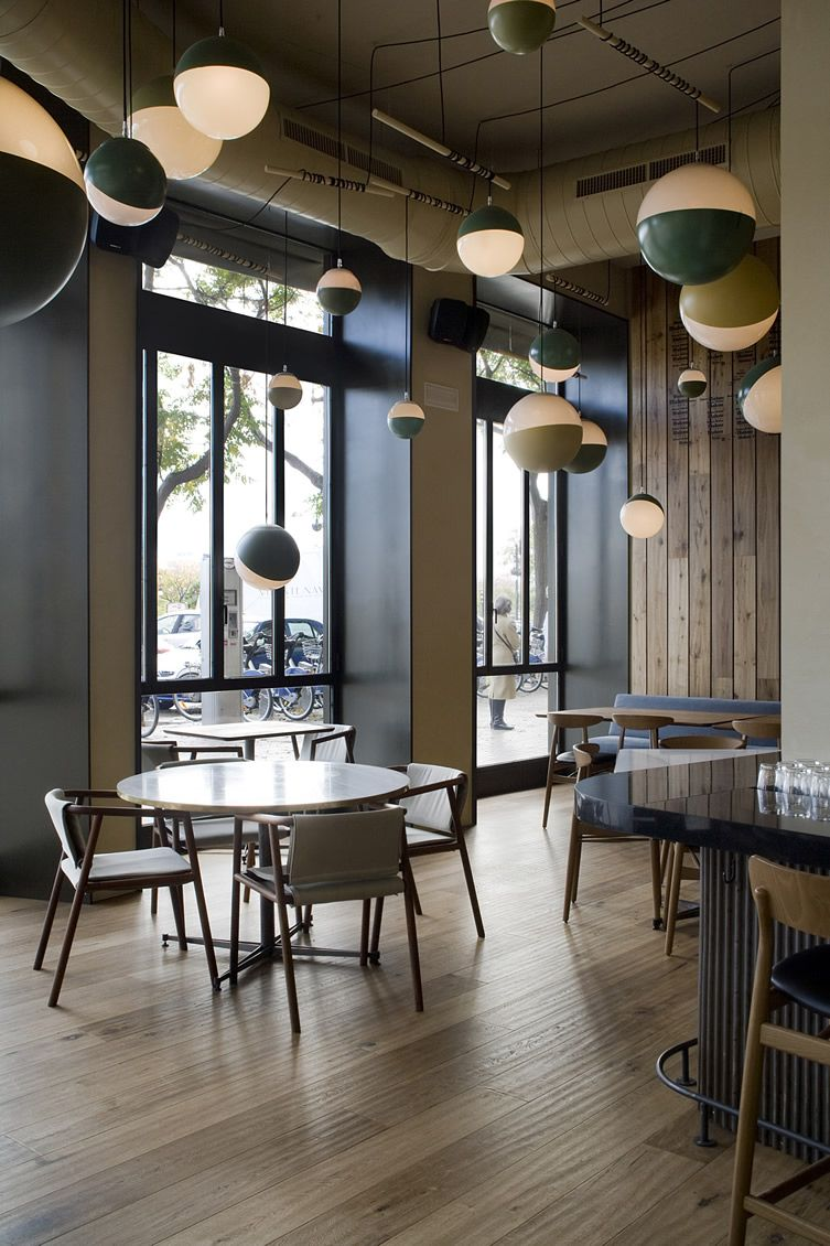 valencia restaurant al tun tn has the wow factor thanks to an interactive central kitchen - Midcentury Cafe 2015