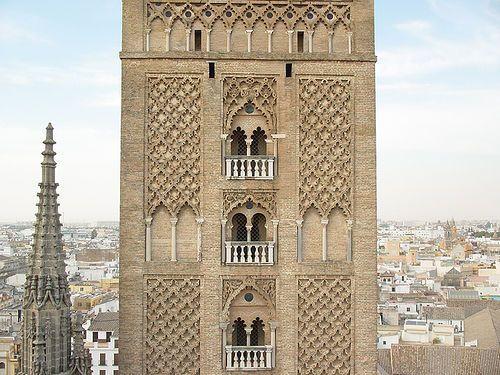 Ornamentaci n en sebka red de rombos la giralda sevilla by alvaro carnicero via flickr - Arquitectura tecnica sevilla ...