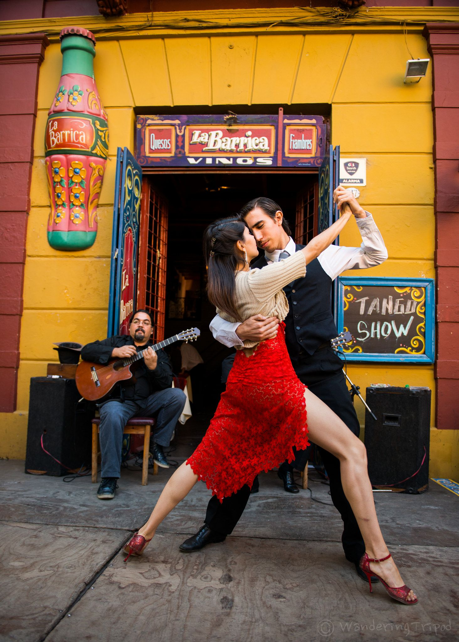 the birth of tango in buenos Argentina tango tours find out  the people of buenos aires started seeing the tango  some say the cuban habanero dance had the biggest influence on the birth.