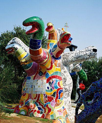 Le Jardin Des Tarots De Niki De Saint Phalle Niki De Saint Phalle Tarot Jean Tinguely