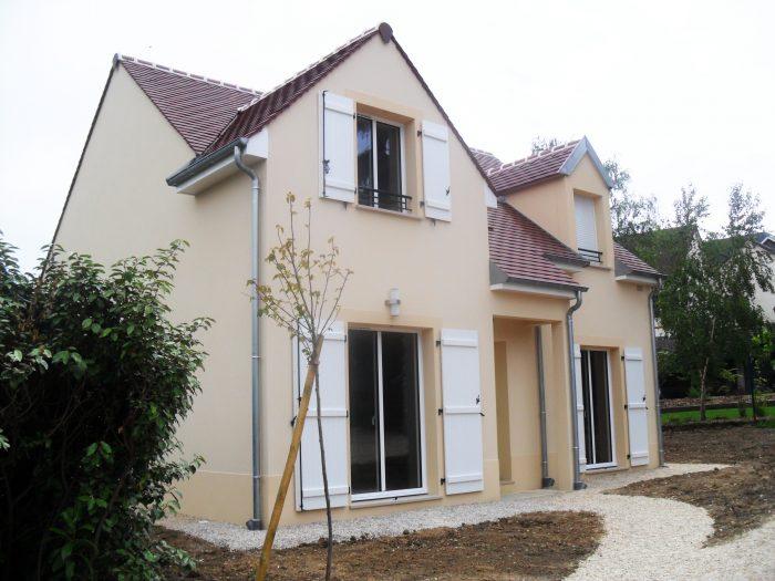 Epingle Par Maisons Berval Sur Vos Maisons I Nos Realisations Constructeur Immobilier Construction Maison Maison