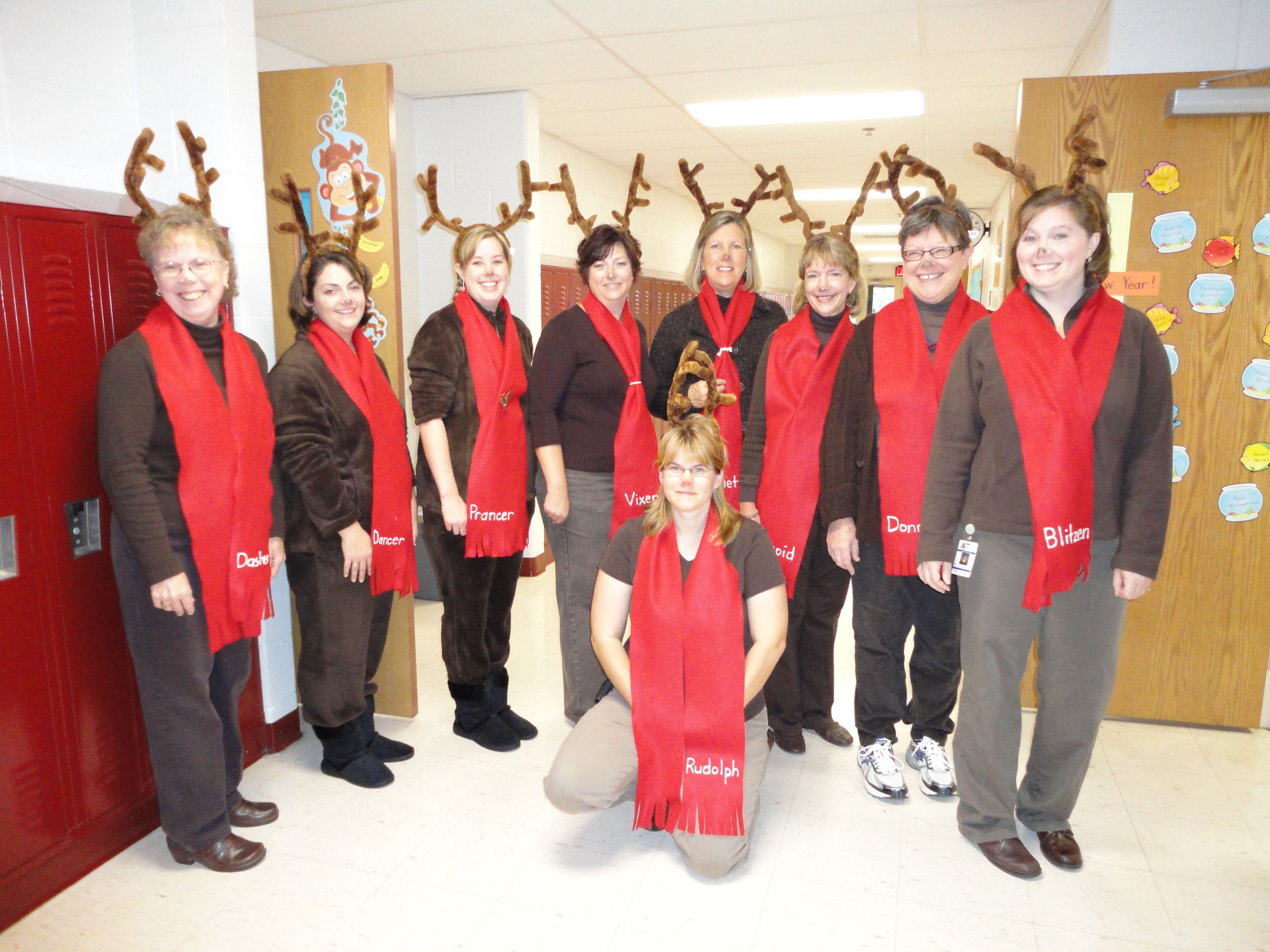 Christmas dress ideas for office party - Easy Reindeer Costume