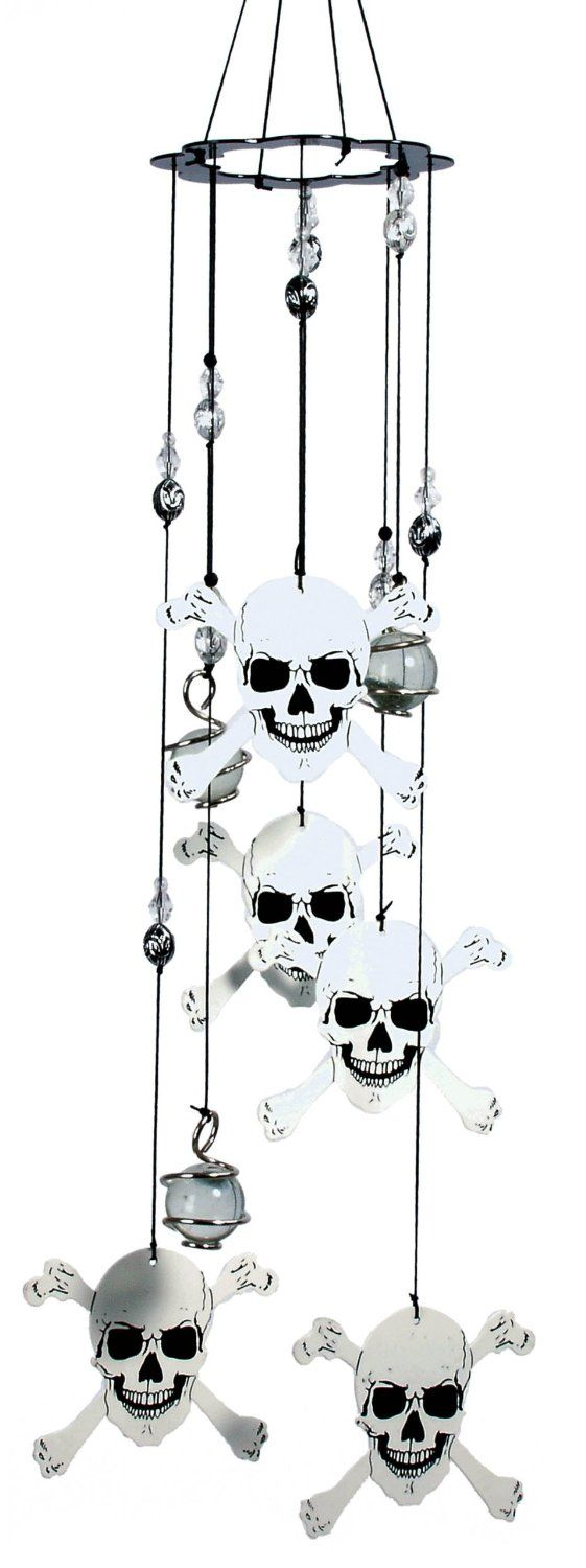 Amazon.com : Spoontiques Skull and Crossbones Wind Chime : Wind Bells : Patio, Lawn & Garden