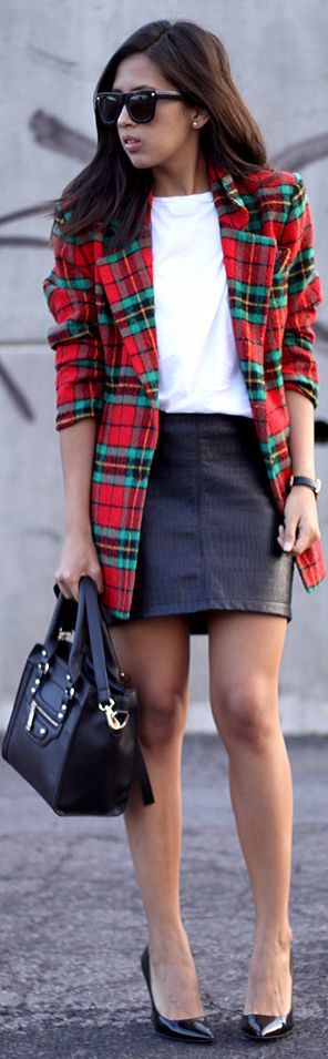 Tartan blazer and leather skirt - the best choice! www.fashflick.com #fashion #fashflick