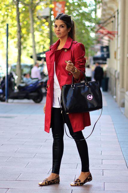trendy_taste-look-outfit-street_style-AW13-gabardina_roja-red_raincoat-michael_kors-black_leather_handbag-bolso_piel_negro-leo_slippers-slippers_leopardo-leo_print-agatha_paris-jessica_simpson-leather_leggings-leggings_cuero-golden_watch-reloj_dorado-12 by Trendy Taste, via Flickr