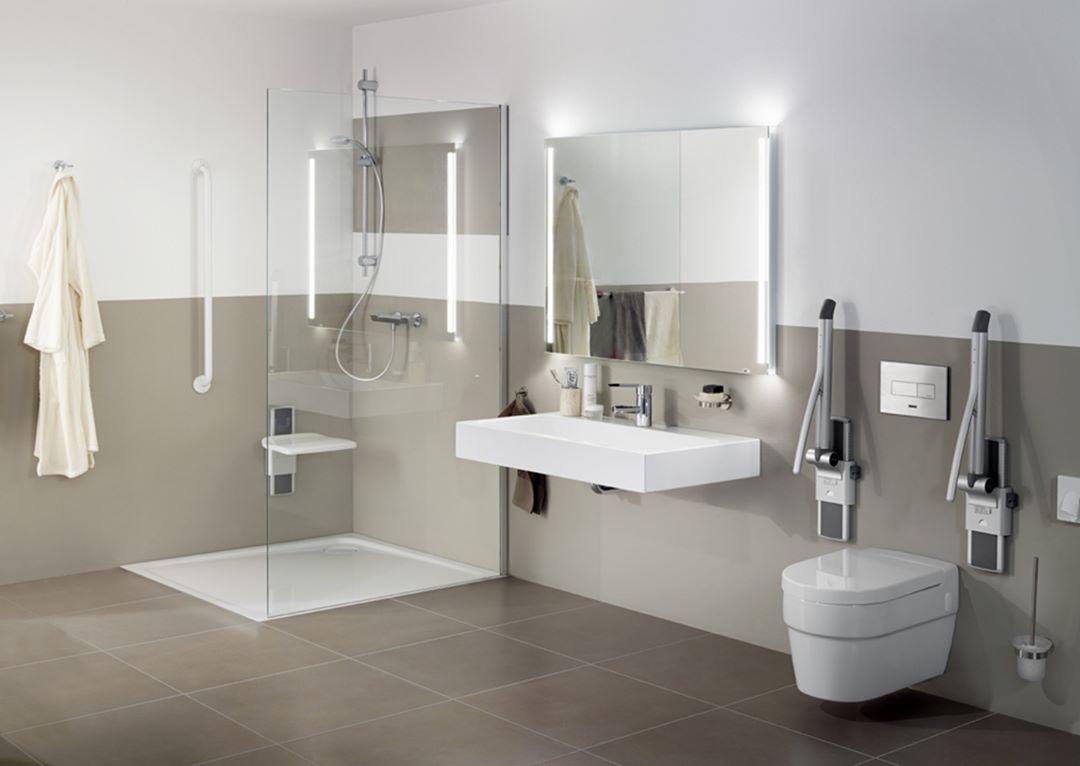 Behindertengerechtes Badezimmer.Barrierefreies Behindertengerechtes Badezimmer Mit Palma