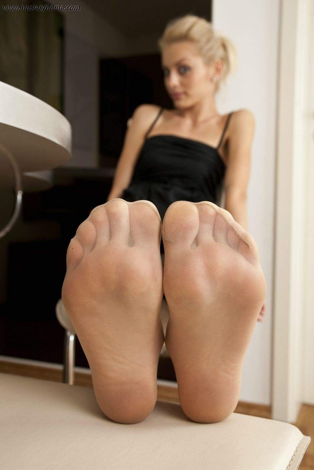 Apologise, Amateur pantyhose feet opinion you