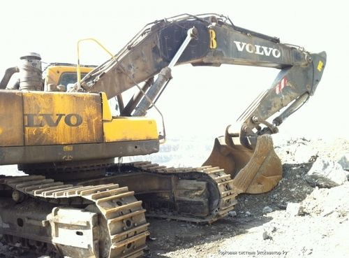 Pin by Cat Excavator Service Excavator brands Heavy