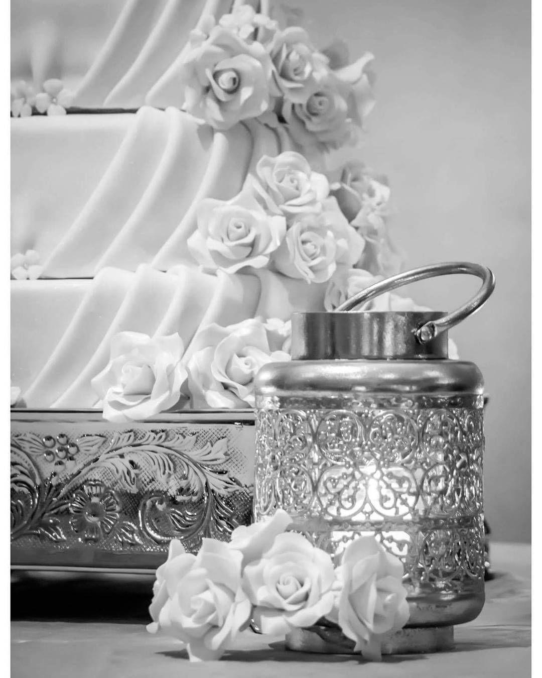 Wedding cake  #luispedrogramajophotography #wedinguatemala #wedding #weddingday #destinationweddingphotographer #bride #destination #destinationwedding #bridebook #weddingdecor #weddingphoto #weddingideas #weddings #weddingphotography #weddingphotographer #weddingdress #love #forever #wed #picoftheday #photooftheday #weddingideas_brides #weddingawards #weddinginspiration #HuffPostIDo #casamento #marriage #perhapsyouneedalittleguatemala #instawedding #gelinlik
