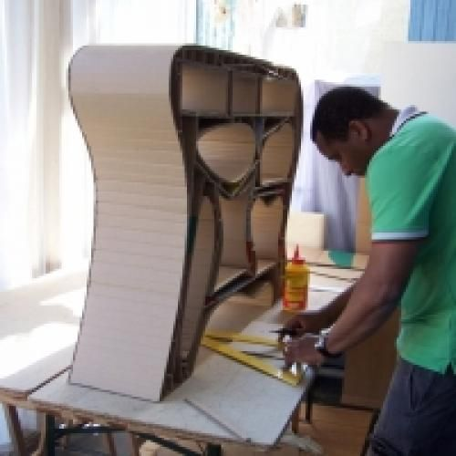 Montpellier Des Ateliers Pour Les Enfants A Lattara Jeudi Et Vendredi Meuble En Carton Design En Carton Et Carton