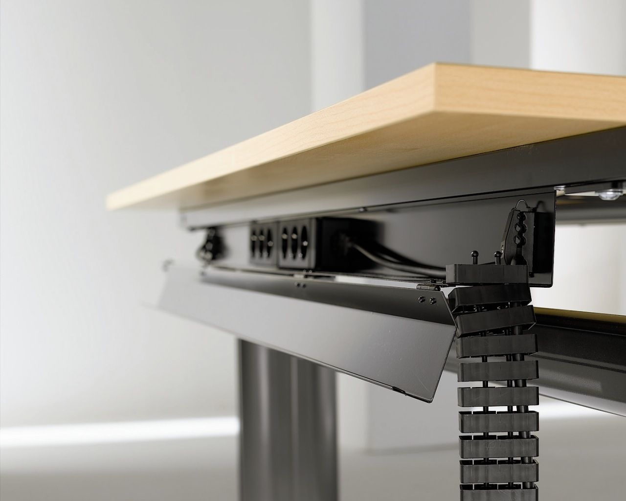Under Desk Cable Management Organizacion De Cables Oficinas De