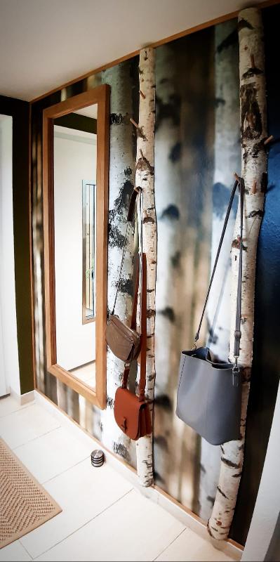 Traumhafte Birkenstamm-Garderobe