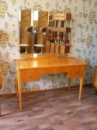 1950-l. kampauspöytä | Muut | Huonekalut | Tuotteet | Antiikkilöytö Valli & Selin
