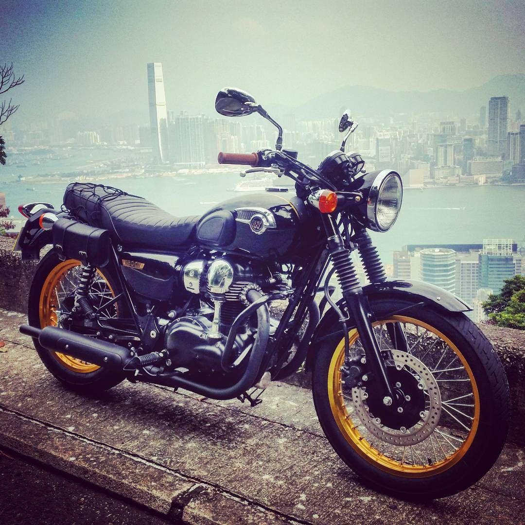 Instagram by @nicolacammisa  Kawasaki W800 SE 2011                    Hong Kong Harbour.