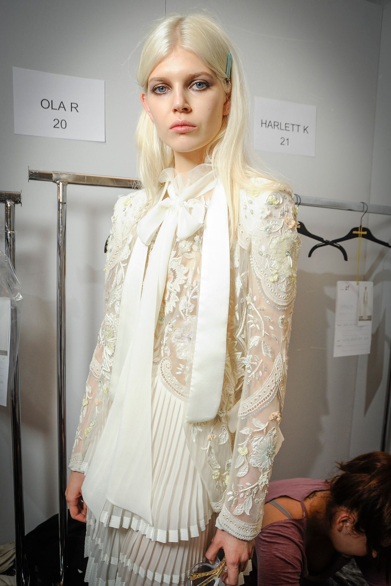 Roberto Cavalli Spring 2015 Ready-to-Wear Beauty Photos - Vogue