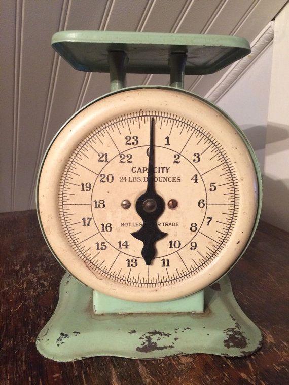 Vintage 24 Lbs Household Kitchen Scale Nice Chippy Green Paint