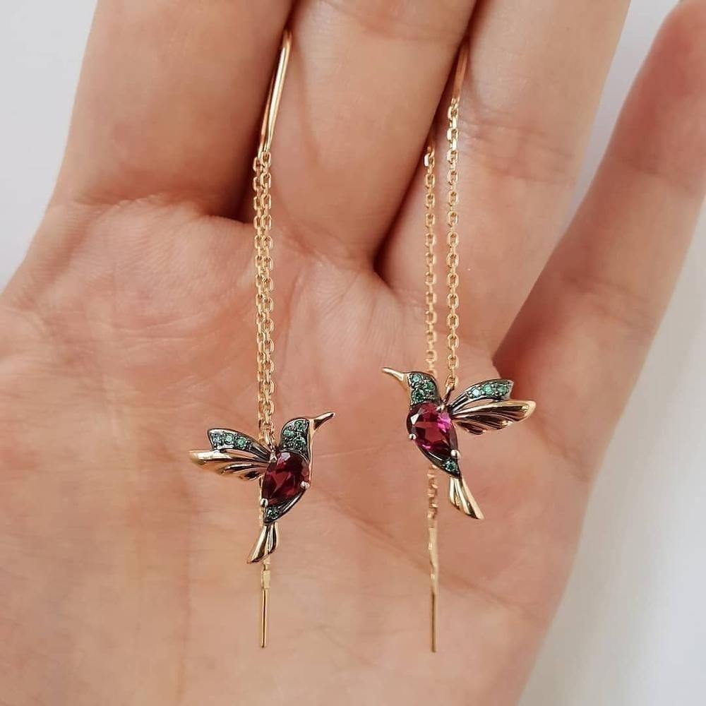 Kolibris stehen für Glück und symbolisieren Ewigkeit, Freude, Frieden, Weisheit und Hoffnung. Diese Ohrringe geben den Menschen ein friedliches Gefühl ✨