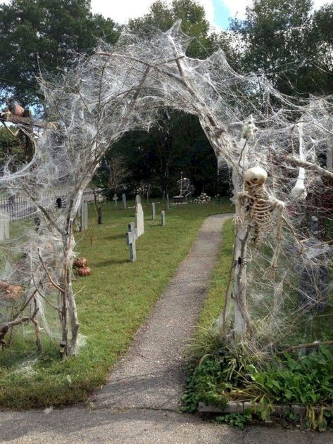 70 Crafty DIY Outdoor Halloween Decorating Ideas Harlens party