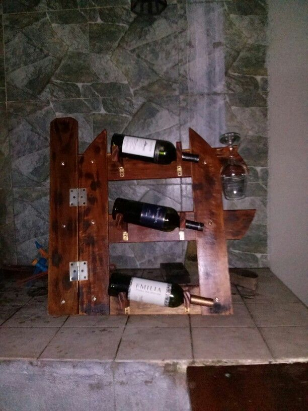Vinoteca de pino trabajos en madera pinterest - Vinotecas de madera ...
