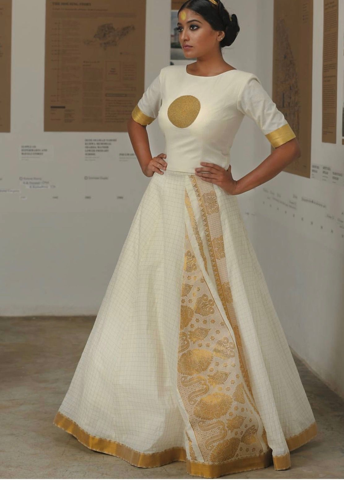 Kerala wedding reception dresses for the bride  Pin by Cynthia Mela on Robes et jupes  Pinterest  Saree Indian