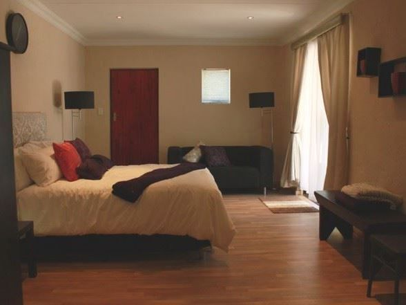 Northcliff Bed and Breakfast - Northcliff Bed and Breakfast is situated in Northern Johannesburg just 15 minutes from Sandton and the city centre.  Enjoy your overnight stay in luxury accommodation catering for both the business traveller ... #weekendgetaways #johannesburg #southafrica