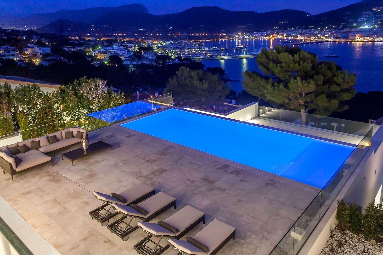 Brand New Luxury Holiday Villa Puerto Andratx, Mallorca South West, Sleeps  2 Pools