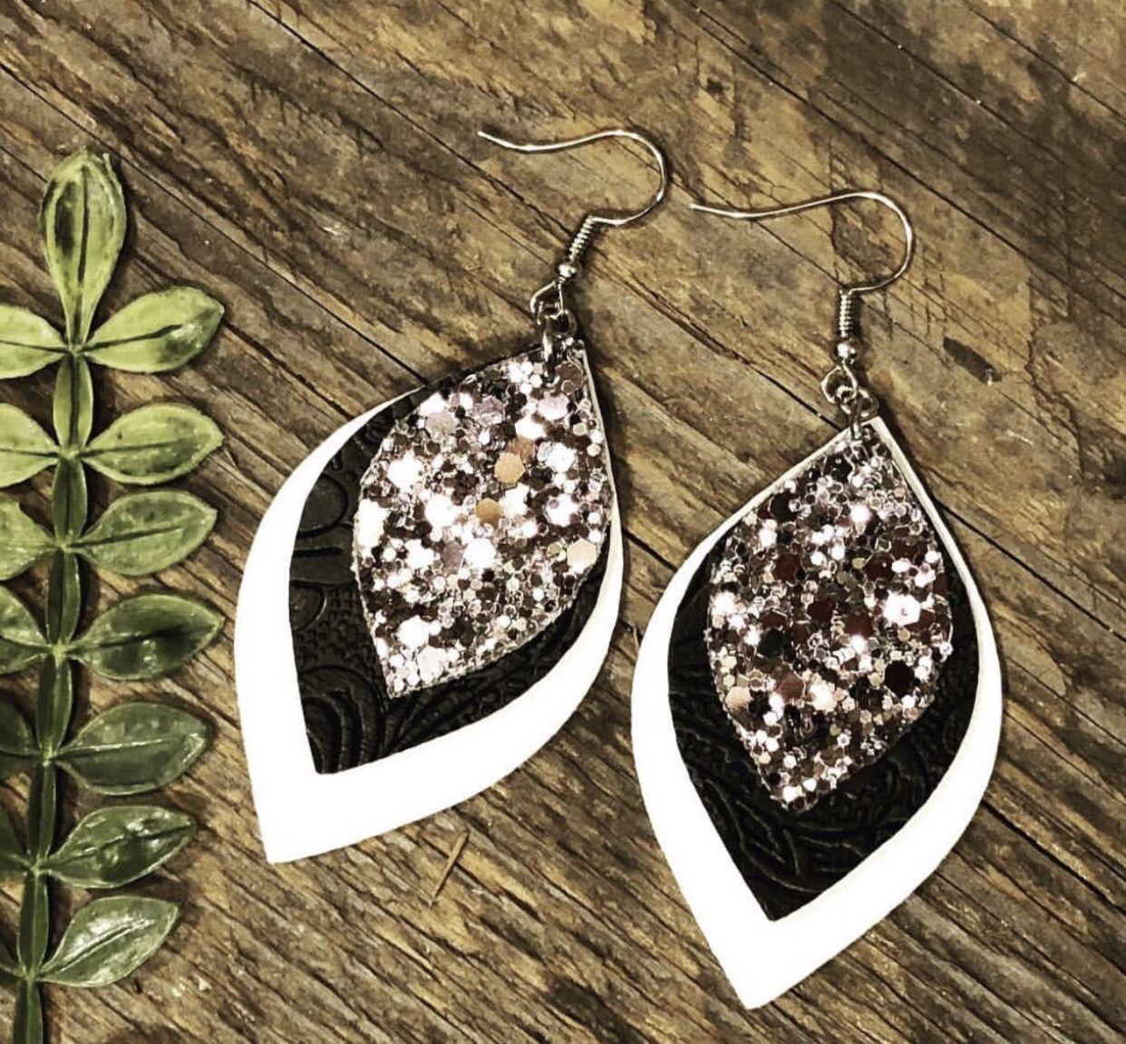 Photo of Glitter Love 🖤 – Coco's Boutique Designs