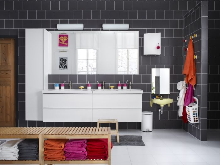Make your family bathroom a communal space with the help of a MOLGER bench