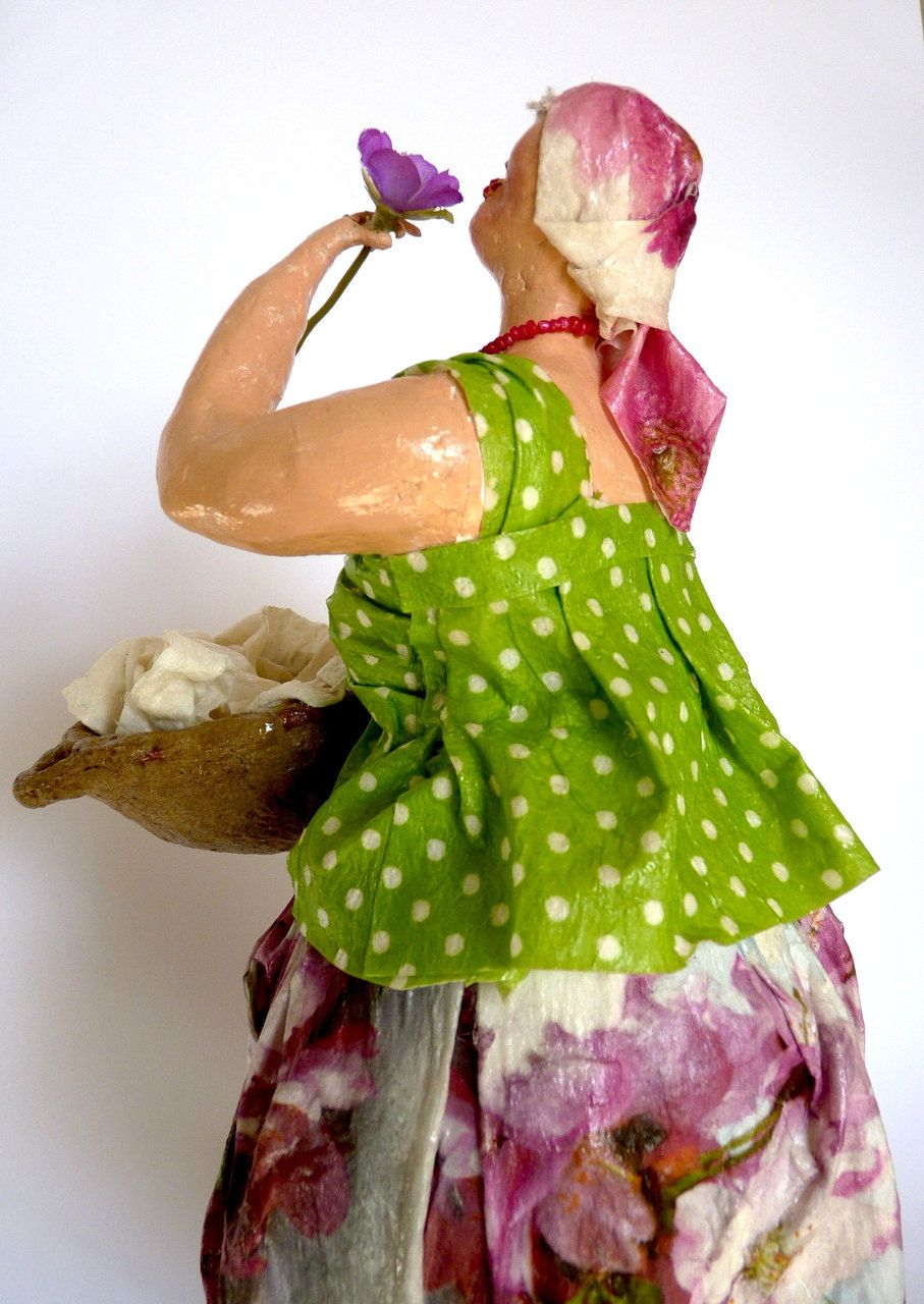 The Washerwoman This one-of-a-kind (OOAK) figurine was made by hand using recycled materials. The top layer is made of Paper Mache clay. This sculpture is hand painted with acrylic paint and covered with special varnish.  This is a perfect gift for yourself, your family or someone special who likes sculptures. Suitable for home& office decor.  To see more of my works, please visit my site:  nyassour.wixsite.com/naomiart