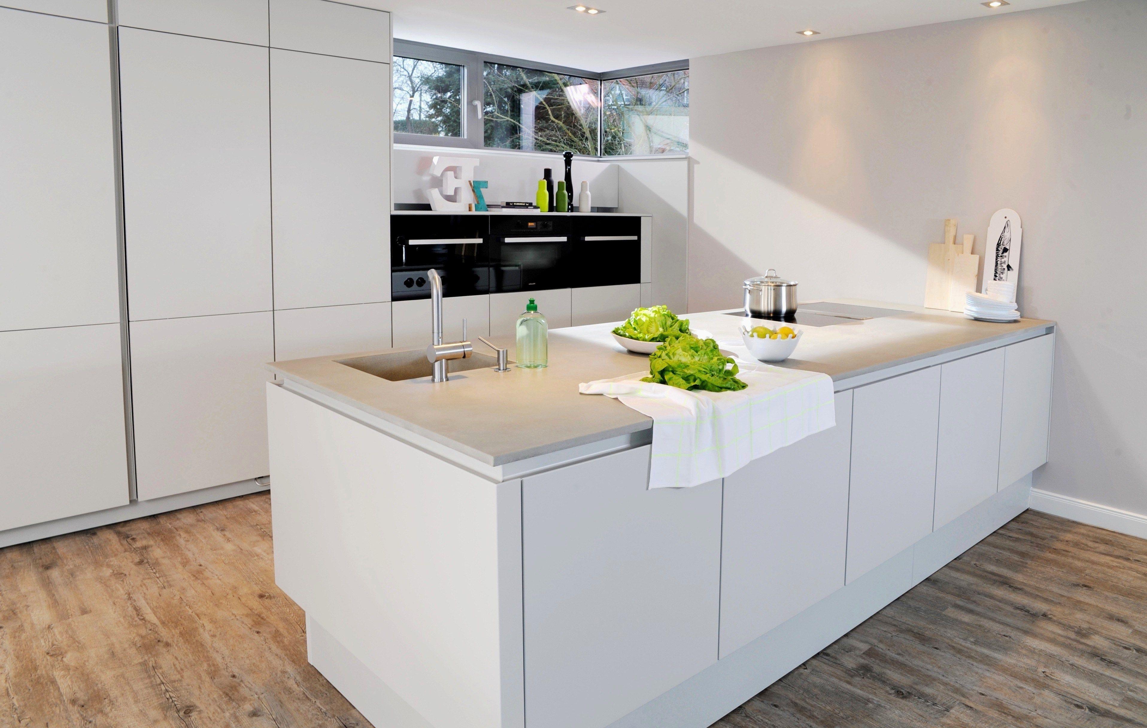 Küchen Unterschrank Holz Schubladen  Bulthaup-musterküche B18