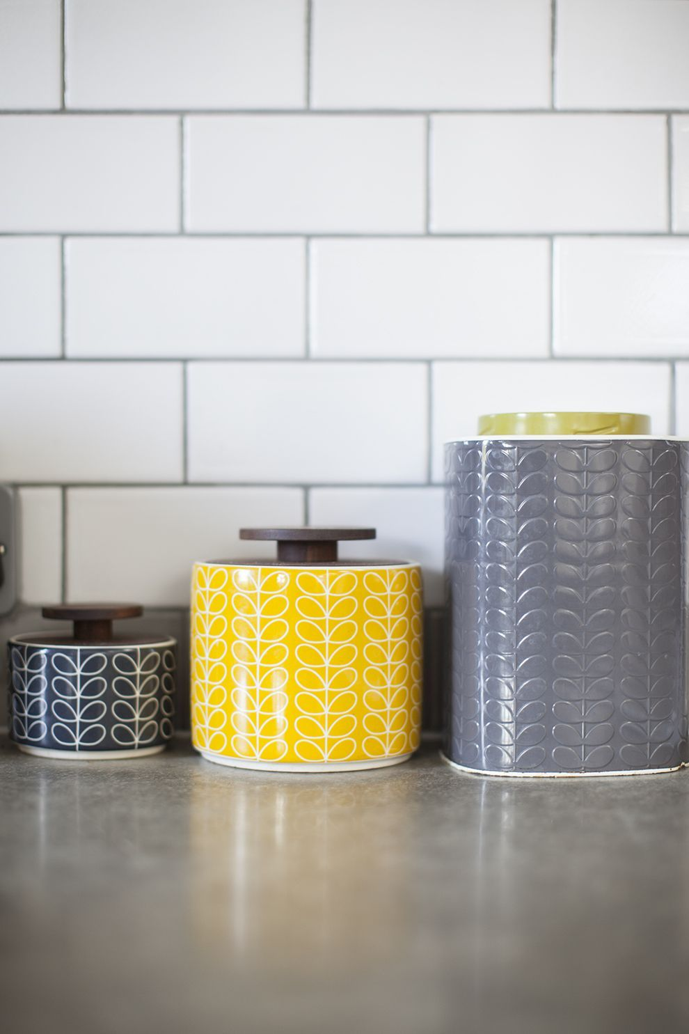 4 Must Have Kitchen Accessories To Transform Your Kitchen Yellow