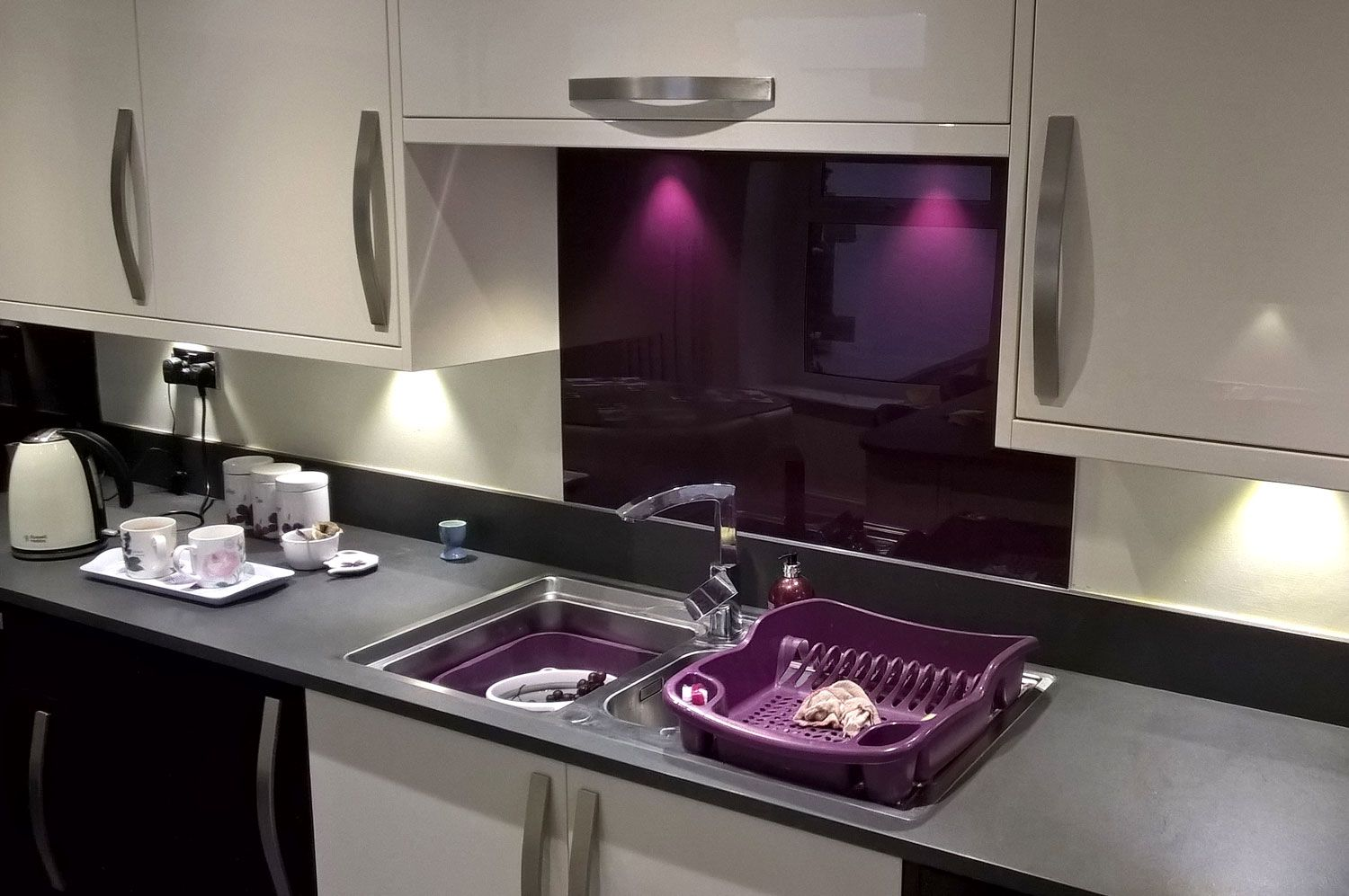 Kitchen Designs And Colors Images Aubergine Acrylic Kitchen Splashback Gloss Finish In 2019