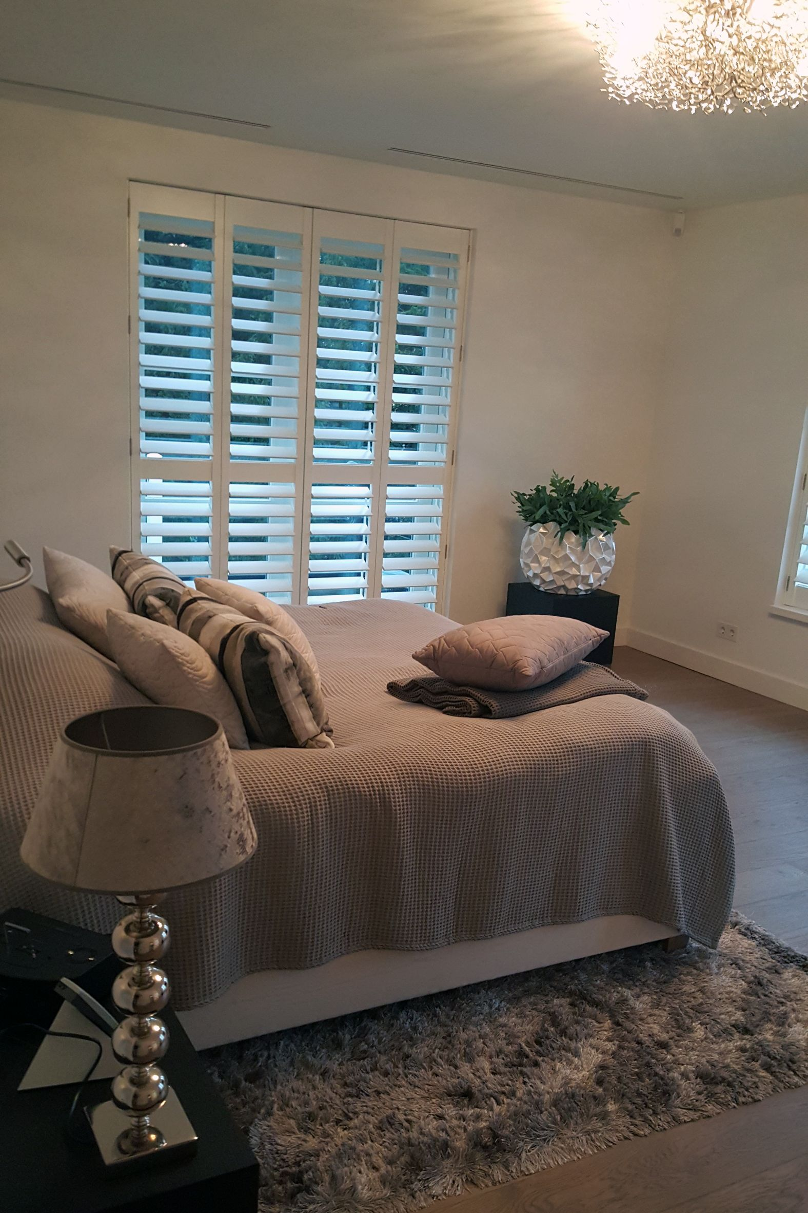 Design shutters op een mooie slaapkamer | Shutters | Pinterest