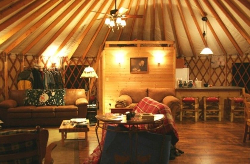 Gorgeous home for family reunions and large groups for Yurt interior designs