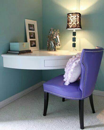 Creative use of a corner small room desk small corner - Corner desk for small space ...
