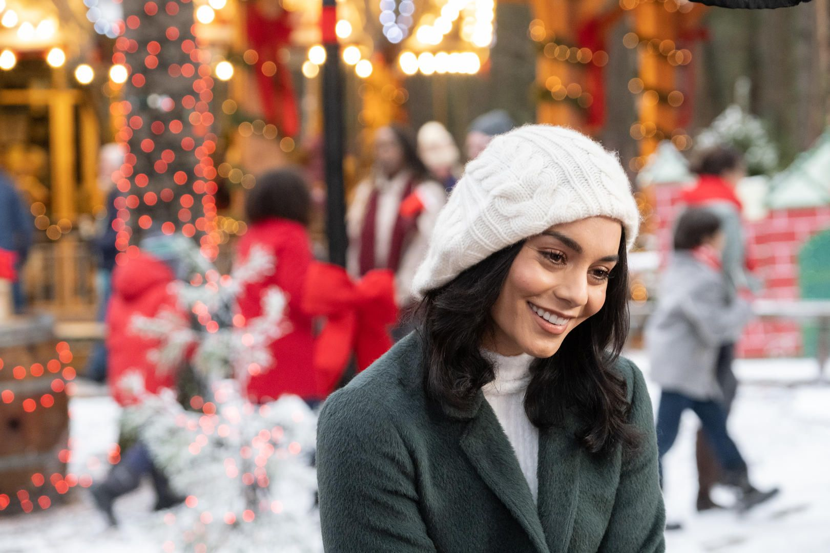 The Knight Before Christmas 2019 Photo The Knight Before Christmas Holiday Movie Movies