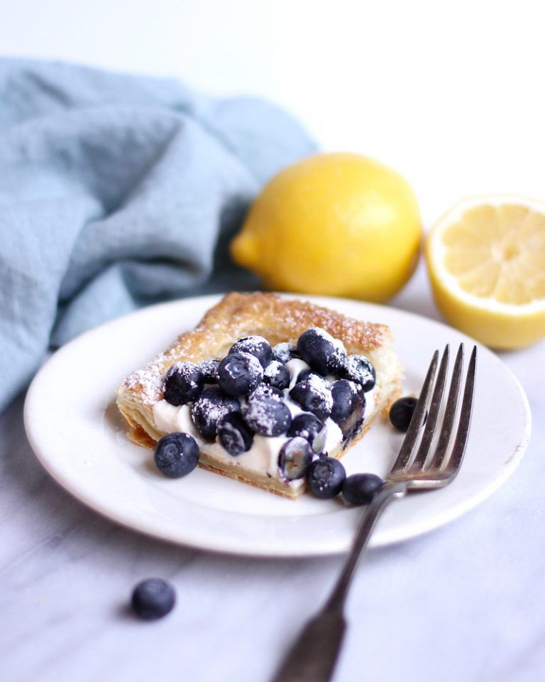 Heavenly and Very Easy Blueberry Tart with Puff Pastry