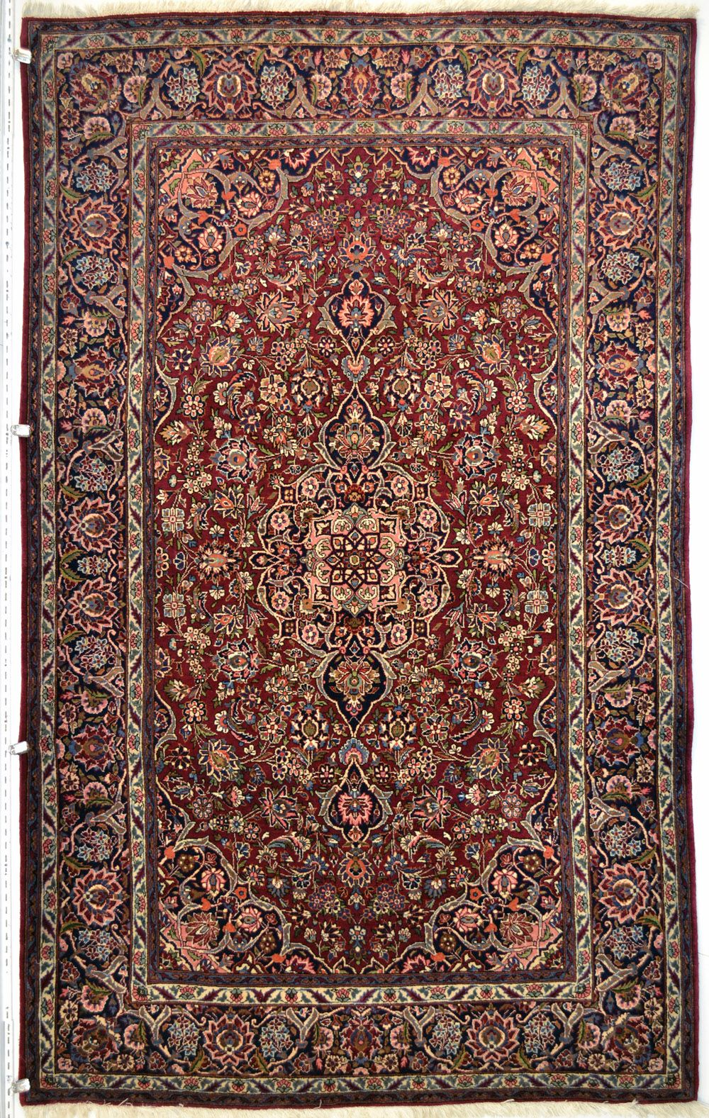 Antique Qazvin Wool Persian Rug Item Mv 625 Category Small 3x5 5x8 Rugs Design Size 130 X 215 Cm 4 3 7 0 Ft Origin