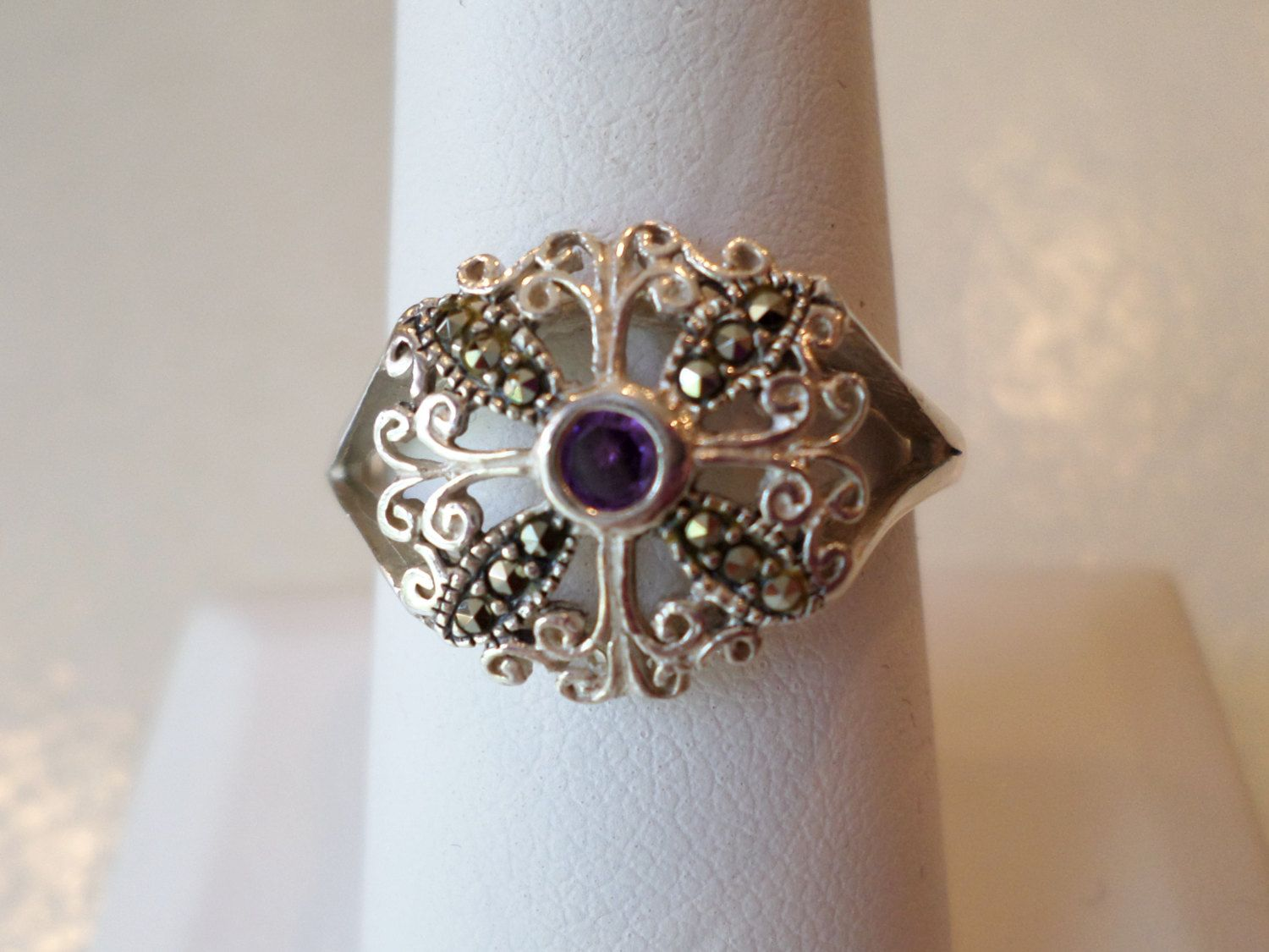 Signed MWD 925 Sterling Silver Real Amethyst Rhombus and Swirl Design Ring Size 4
