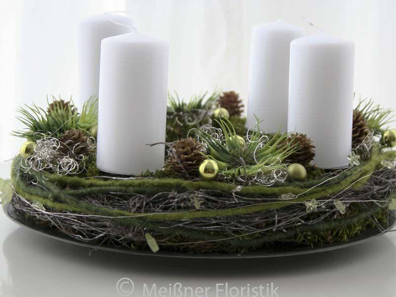adventskranz adventskranz gr n wei er advent1 ein. Black Bedroom Furniture Sets. Home Design Ideas