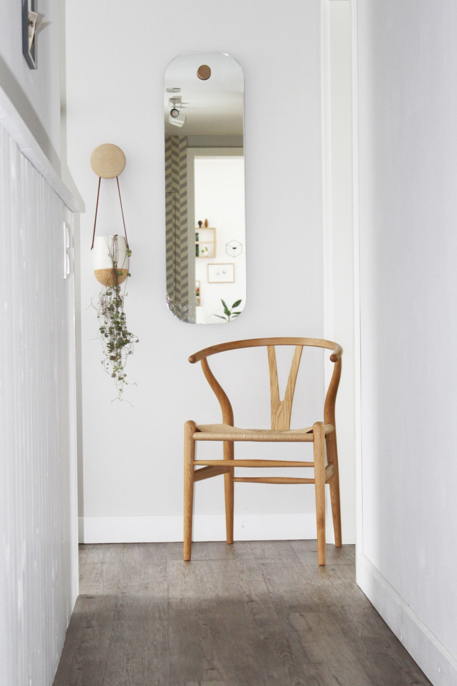 Carl Hansen – CH24 Wishbone Chair, Eiche geseift / Naturgeflecht