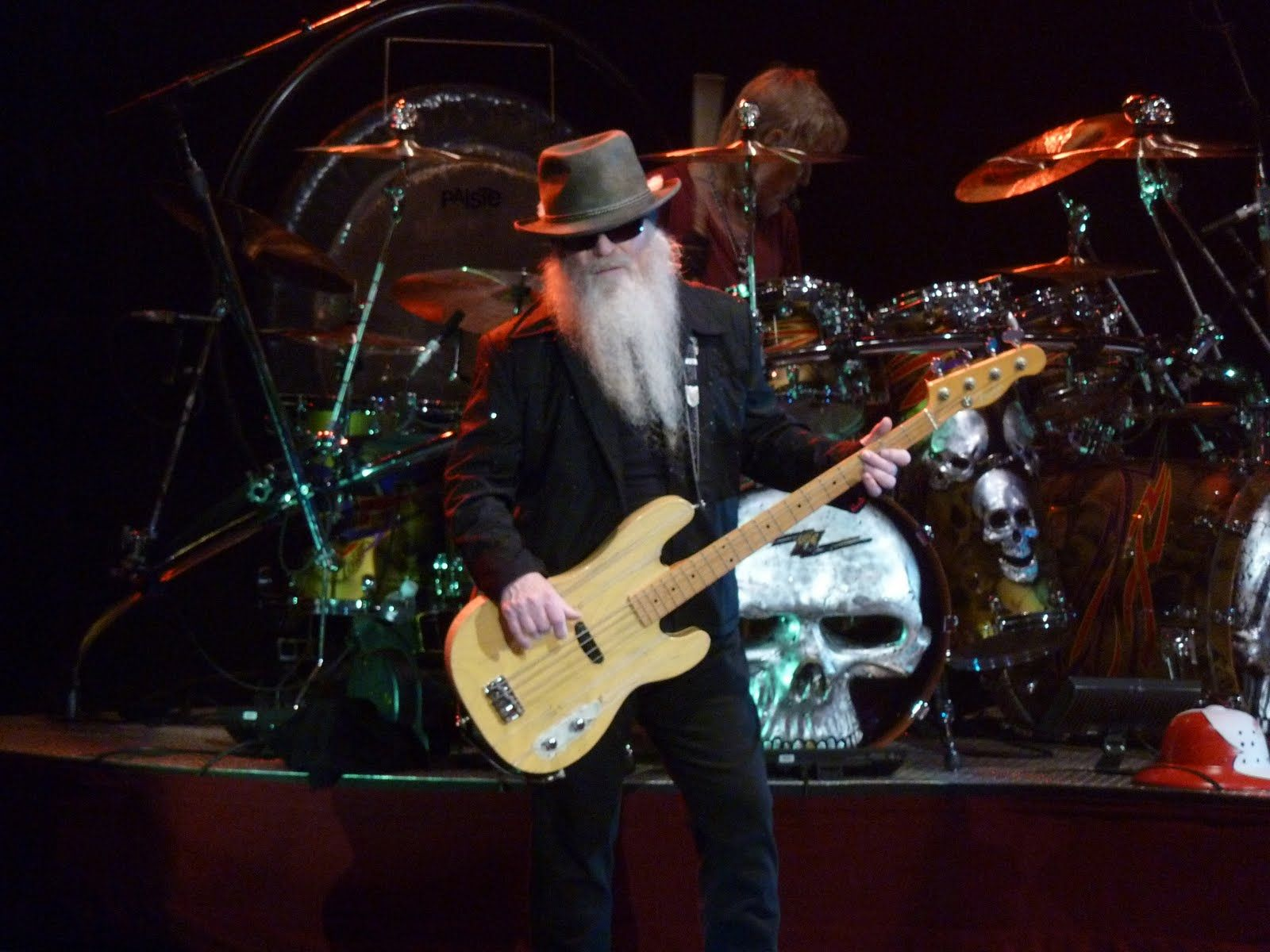 ZZ-TOP top hard rock guitars guitar concert concerts drums wallpaper | 1600x1200 | 88801 | WallpaperUP