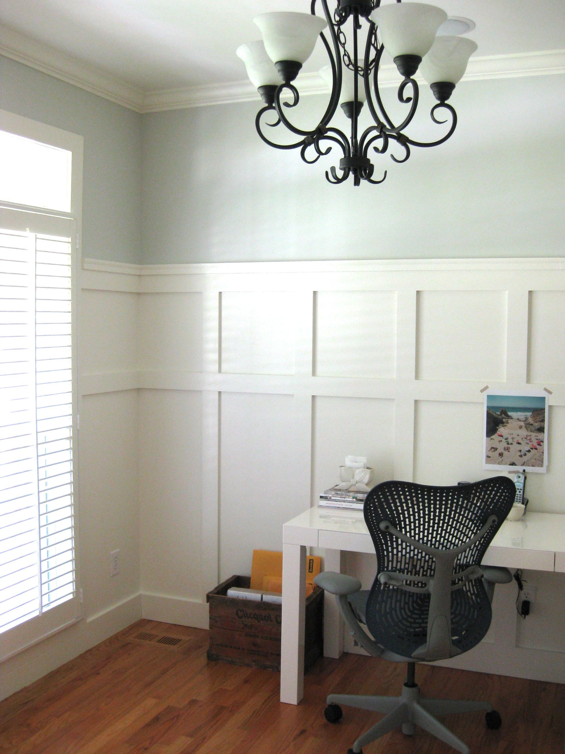 Moonshine By Benjamin Moore Walls Board And Batten
