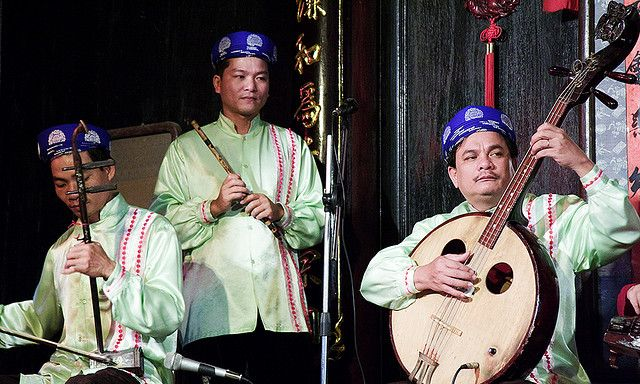 All sizes | Traditional Music - Hoi An, Vietnam | Flickr - Photo Sharing!