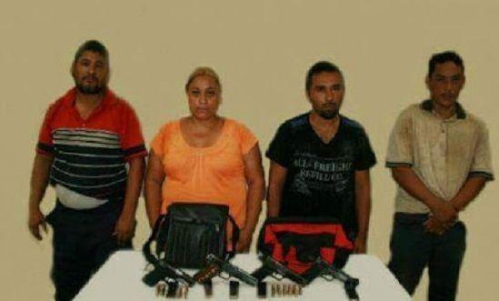 Quitan Corrupto encargado de la SSP en puerto de Veracruz y ponen a otro con familiares delincuentes - http://www.esnoticiaveracruz.com/quitan-corrupto-encargado-de-la-ssp-en-puerto-de-veracruz-y-ponen-a-otro-con-familiares-delincuentes/