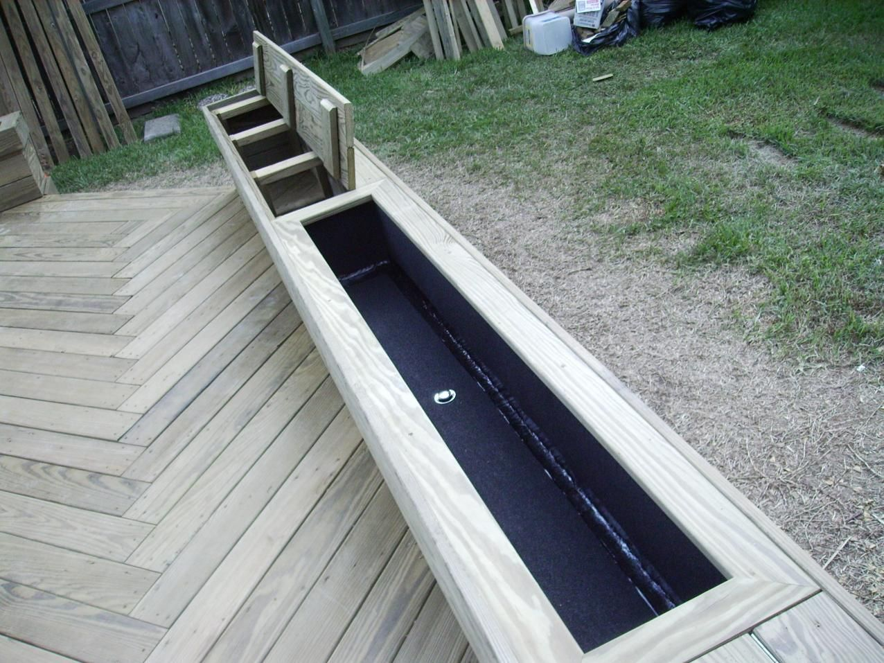 Deck planter box liner img alfresco for Deck garden box designs
