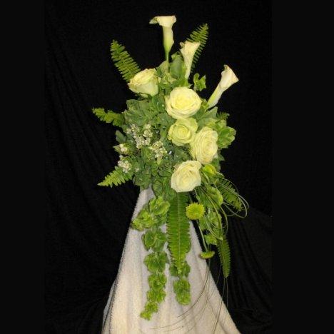 Green Cascading Bouquet Easy Wedding Flower Tutorials