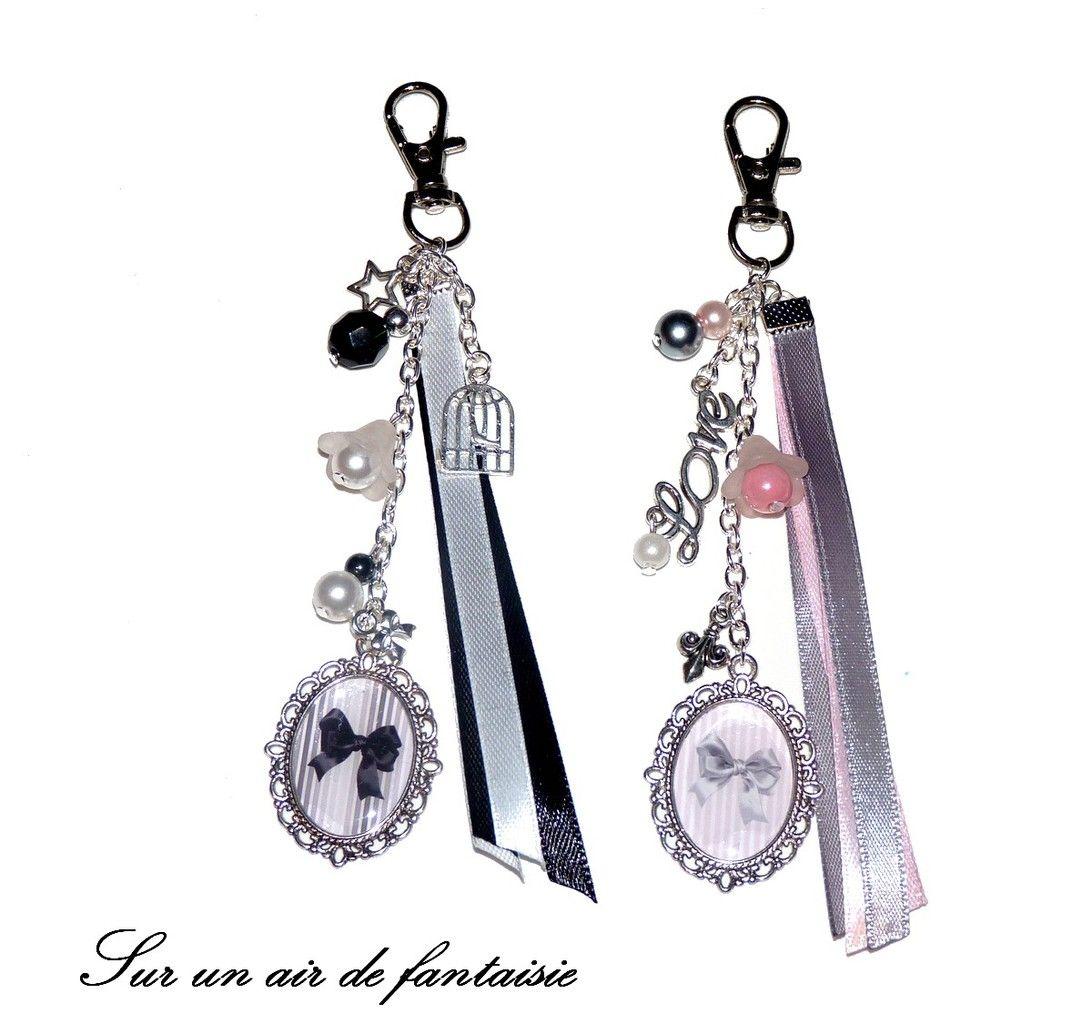 bijou de sac porte cl s avec cabochon n ud perles et breloques sur mousqueton bijoux. Black Bedroom Furniture Sets. Home Design Ideas